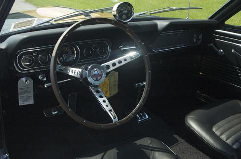 1966 Shelby GT350 black steering wheel