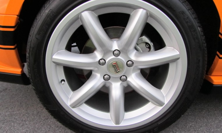 2007 Saleen Mustang Parnell Jones Edition tire
