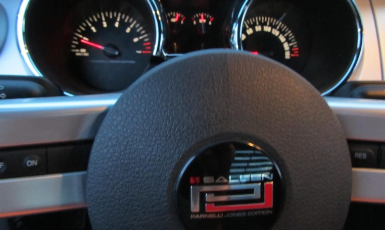2007 Saleen Mustang Parnell Jones Edition steering wheel