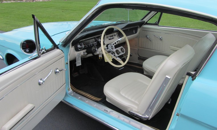 1965 Ford Mustang 2+2 Fastback driver door
