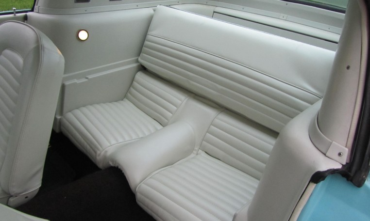1965 Ford Mustang 2+2 Fastback backseats