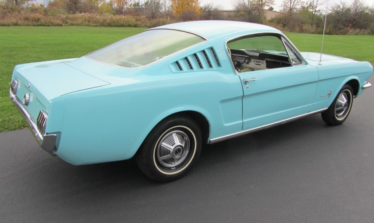 1965 Ford Mustang 2+2 Fastback passenger side