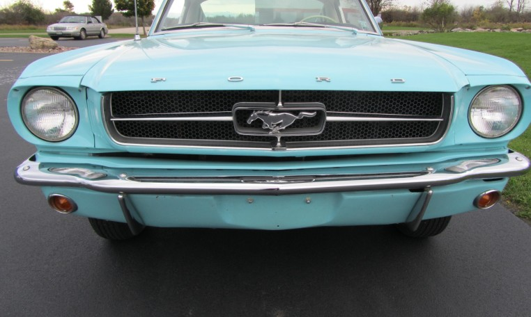 1965 Ford Mustang 2+2 Fastback front grille