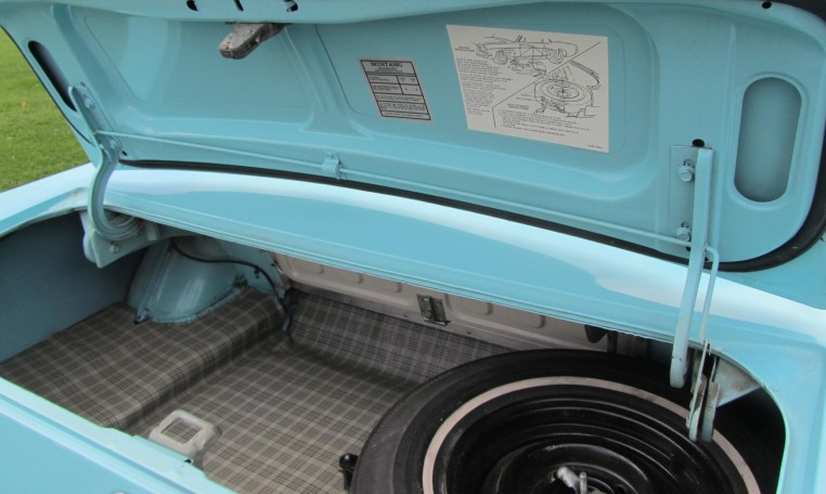 1965 Ford Mustang 2+2 Fastback trunk