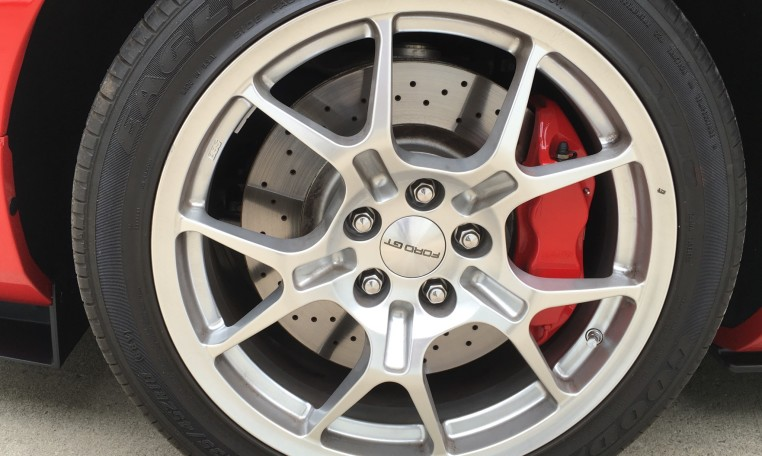 2006 Ford GT tire
