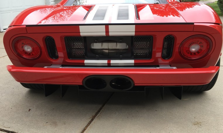 2006 Ford GT taillights