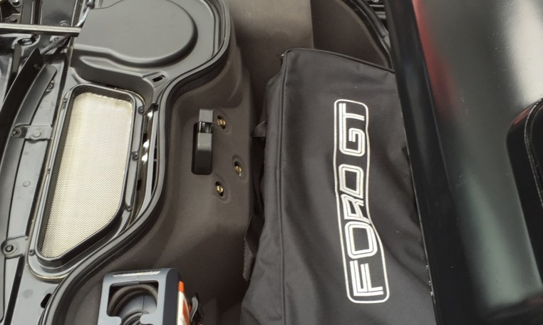 2006 Ford GT trunk