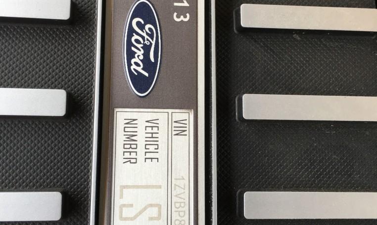 2013 Ford Boss 302 Laguna VIN